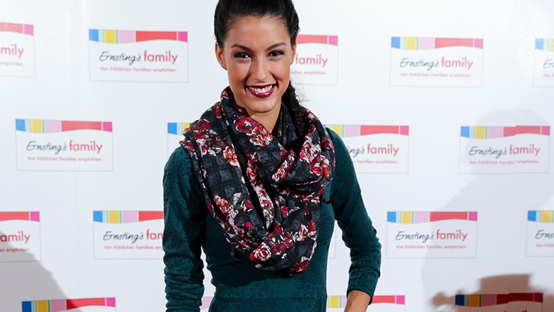 Model Rebecca Mir