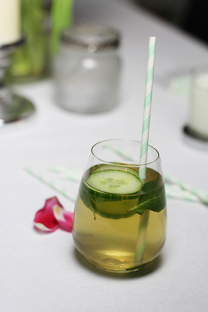 Sommergetränke, Drinks für den Sommer, Getränke ohne Alkohol, Eistee, fruit infused water, Wassermelonen-Soda