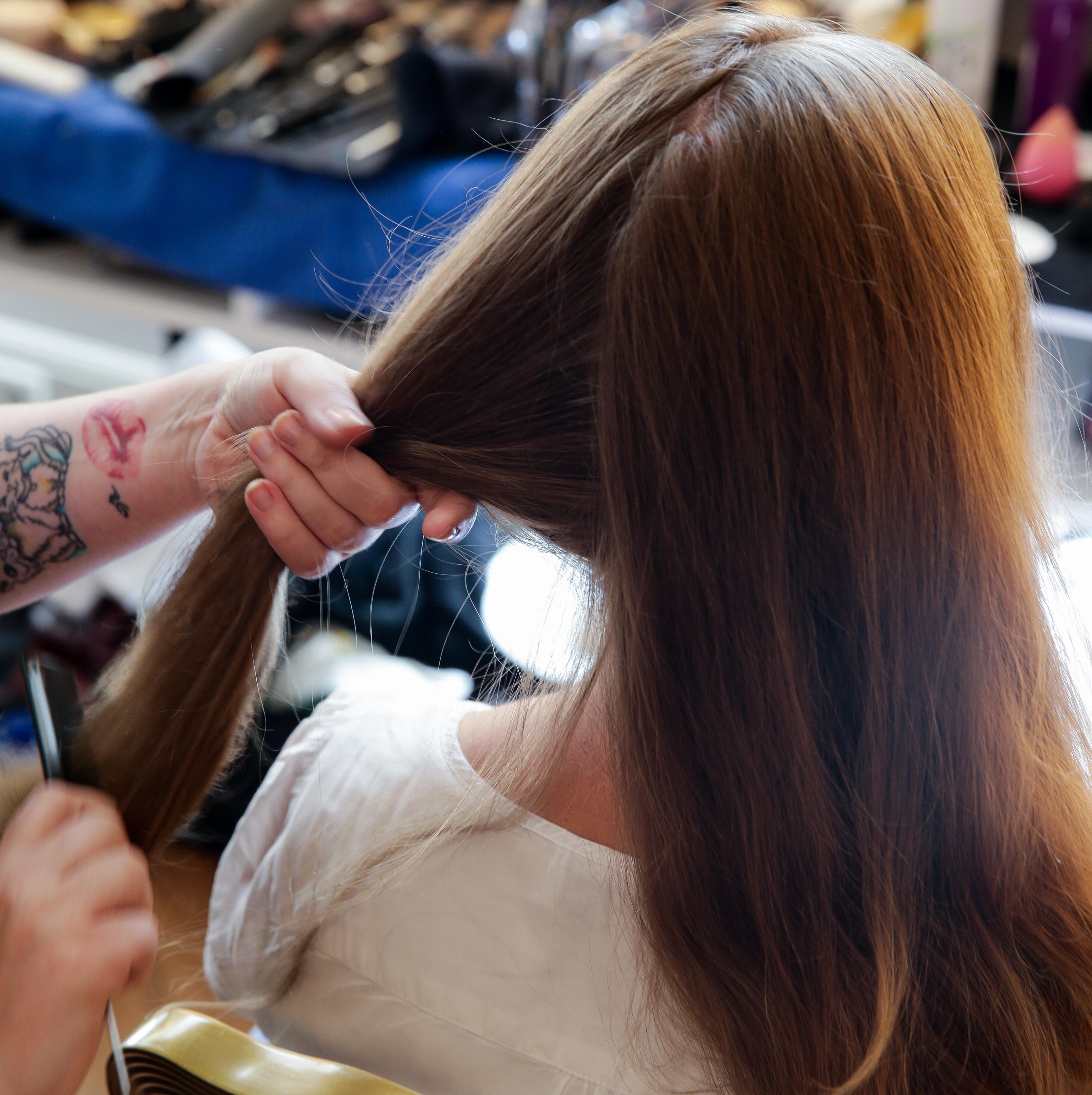 Dirndl-Frisur: Der Gretchenzopf