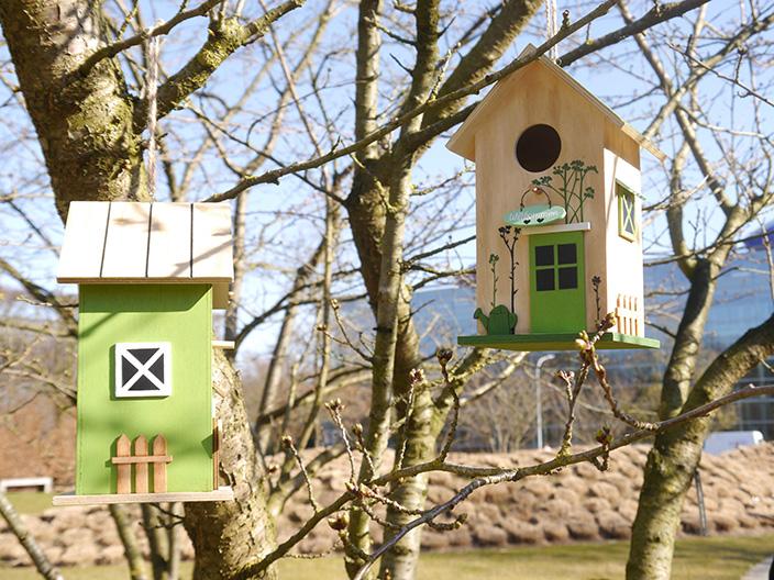 insektenhotel und vogelhaus f r kleine gartenbewohner. Black Bedroom Furniture Sets. Home Design Ideas