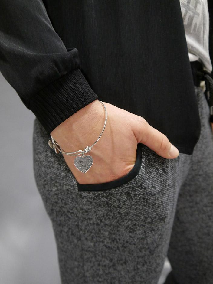 Jogpants_Styling_Tipp_3x-anders gestylt_Details_Tasche