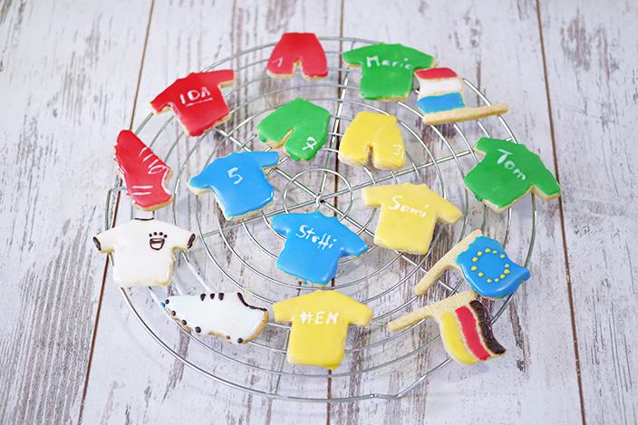 Fußball-Rezepte, Backen mit Kindern, EM-Rezept, Trikot-Plätzchen, Flaggen-Kekse, Fußball-Plätzchen
