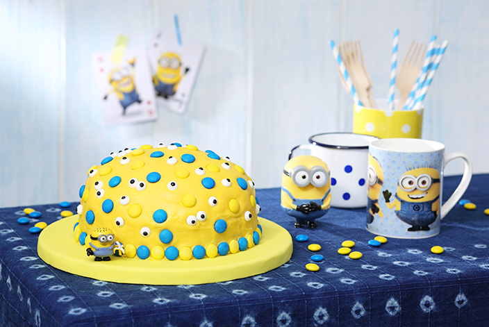 minions kuchen mit bananen mit gewinnspiel ernsting 39 s family blog. Black Bedroom Furniture Sets. Home Design Ideas