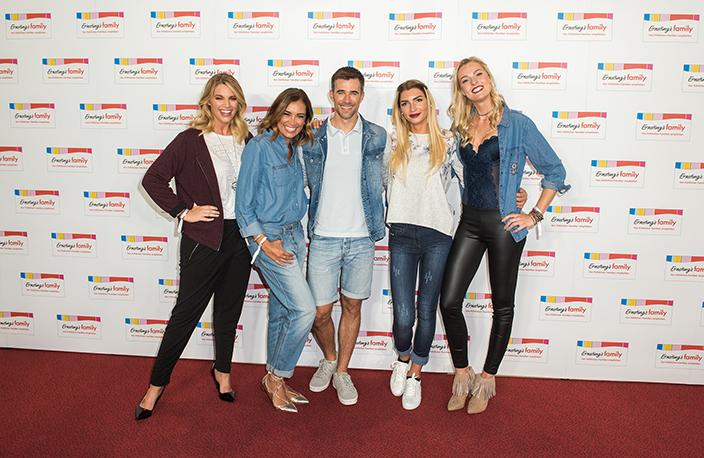 Models auf dem roten Teppich der Ernsting's family Fashion Show 2017