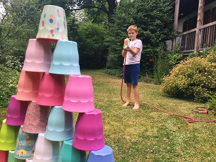 Wasserspiele, Schwamm-Bombe, Spiele mit Wasser