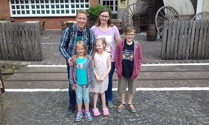 Maggie, Kleider, Yigga, Ernsting's family, Autismus